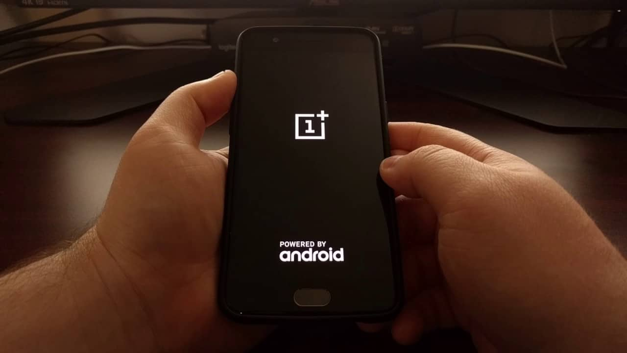 Rebooting Screen on OnePlus phone